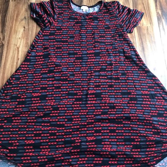 LuLaRoe Dresses & Skirts - LuLaRoe, chevron Carly, size XS